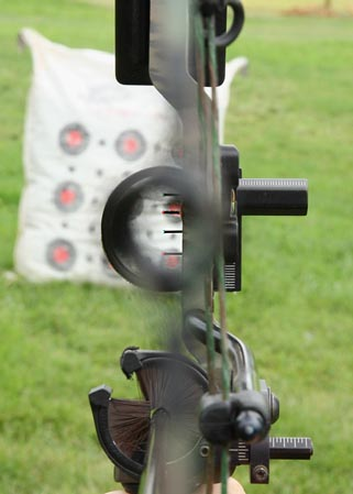 how to use a peep sight on a recurve bow